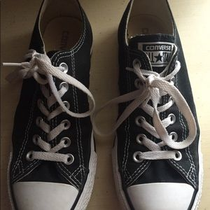 Black and white all star converse shoes